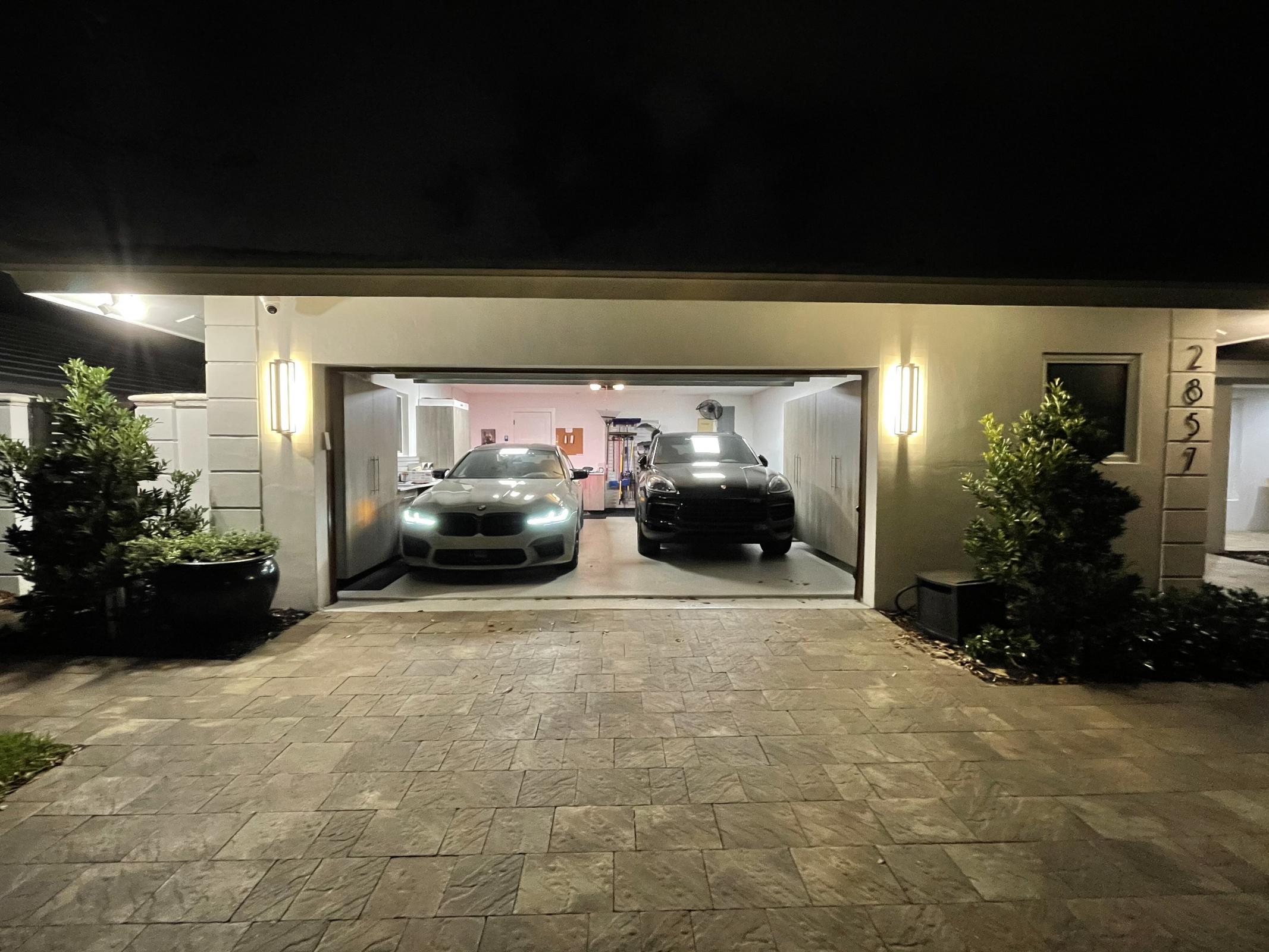 Pavadinimas: HOME X 2 CARS.jpg Peržiūros: 3499 Dydis: 361.5 KB
