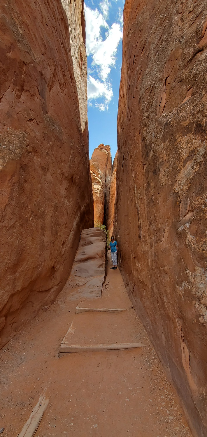 Name:  Trail to Sand Dune Arch.jpg Views: 10052 Size:  420.8 KB