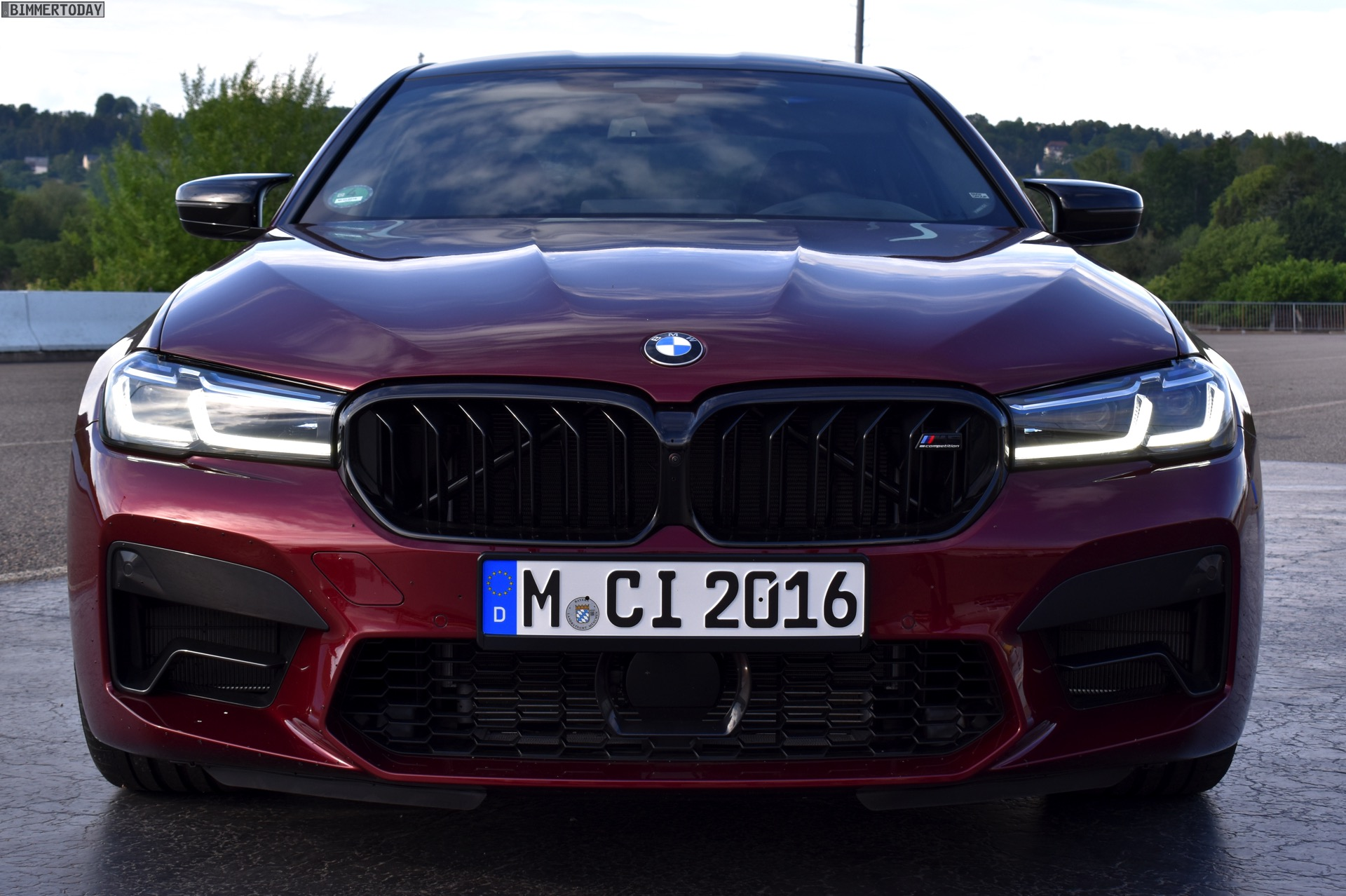 Name:  2020-BMW-M5-Facelift-F90-LCI-Aventurinrot-Live-02.jpg Views: 8119 Size:  429.5 KB