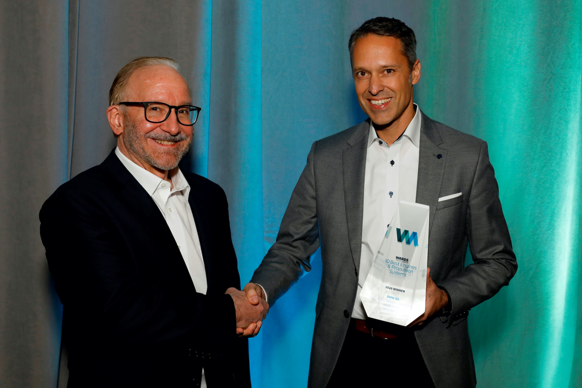 Name:  Ralph_Mahler_Accepting_2020_Wards_10_Best_Engines_and_Powertrain_Award.jpg Views: 11647 Size:  1.99 MB