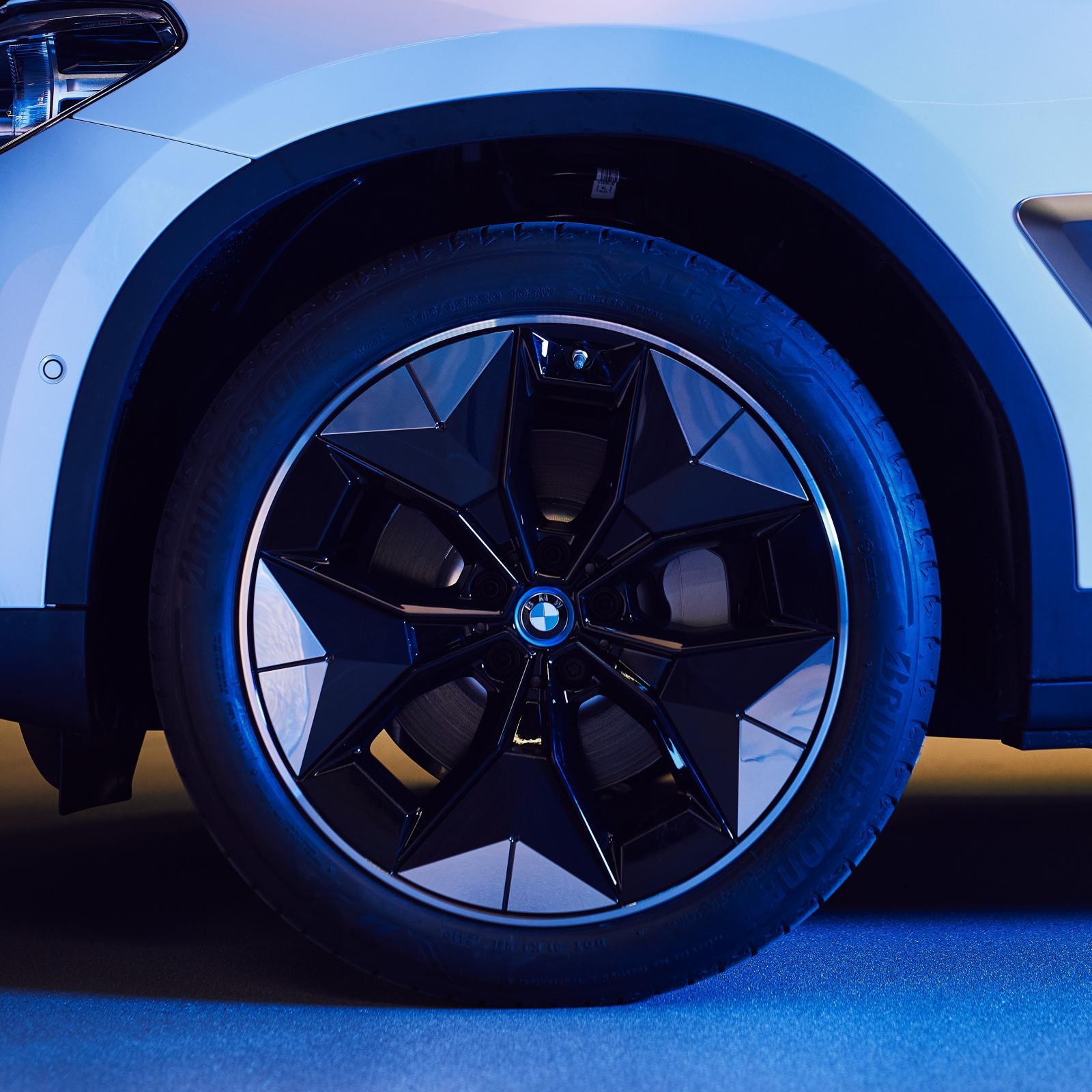 Name:  BMW iX3 i4 Aerodynamic Wheels1.jpg Views: 4316 Size:  215.5 KB