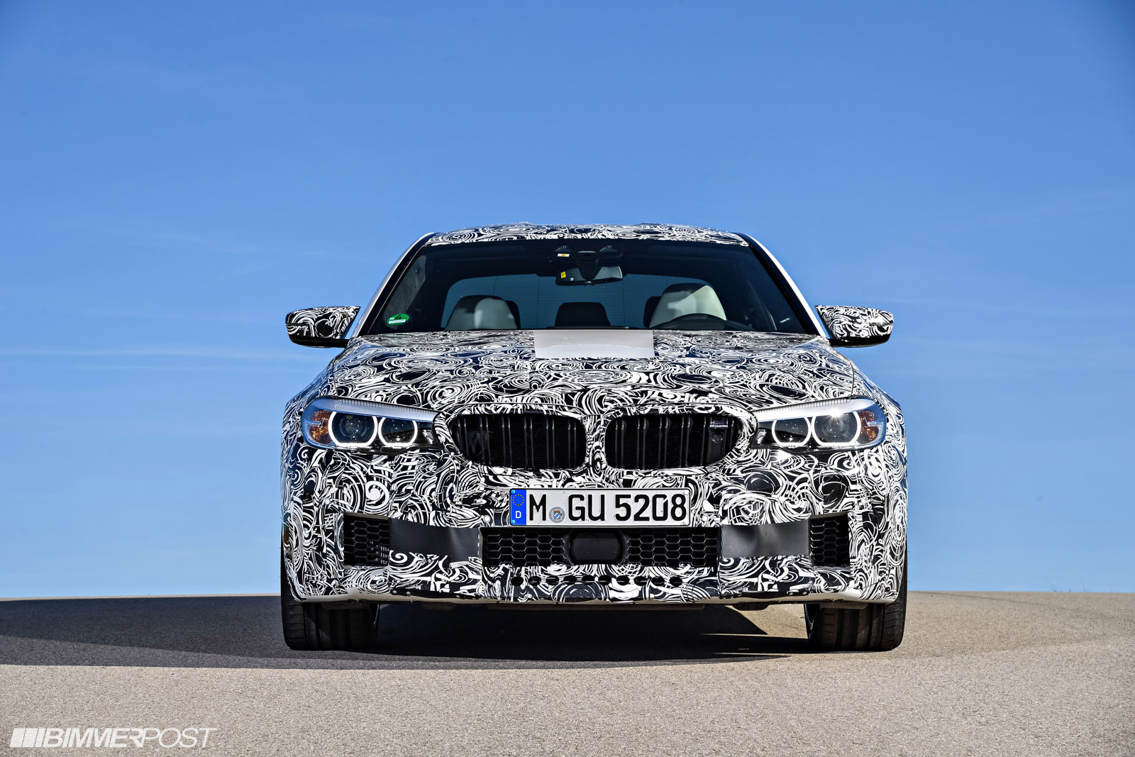 Name:  P90257488_highRes_the-new-bmw-m5-with-.jpg Views: 25701 Size:  390.7 KB