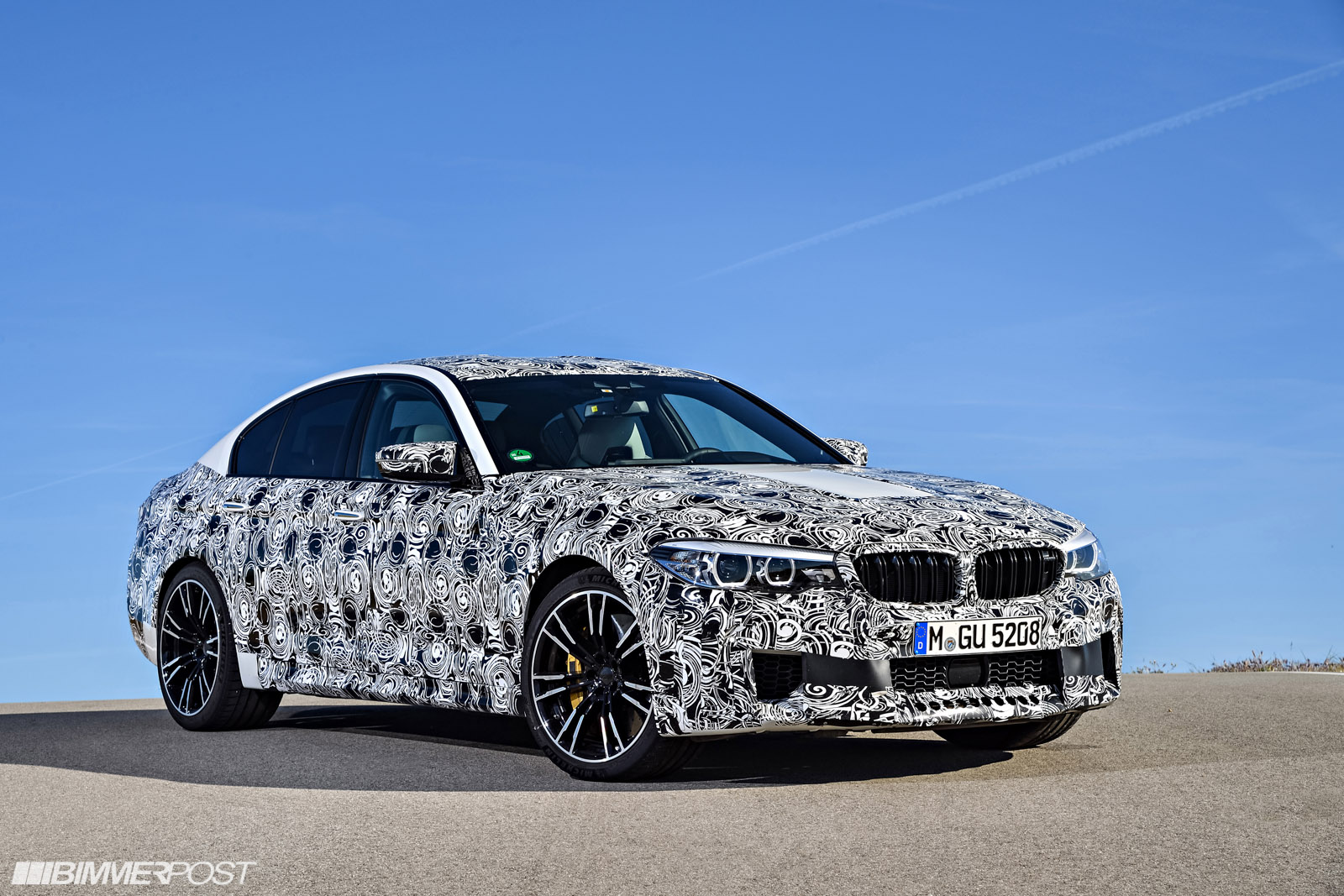 Name:  P90257489_highRes_the-new-bmw-m5-with-.jpg Views: 24892 Size:  427.2 KB