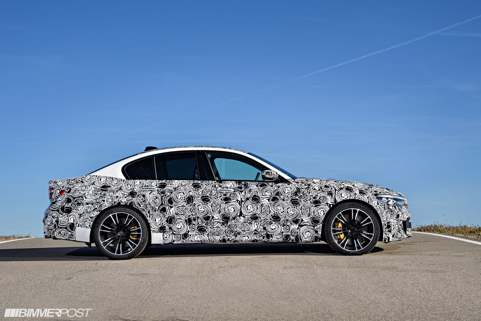Name:  P90257490_highRes_the-new-bmw-m5-with-.jpg Views: 25482 Size:  395.9 KB