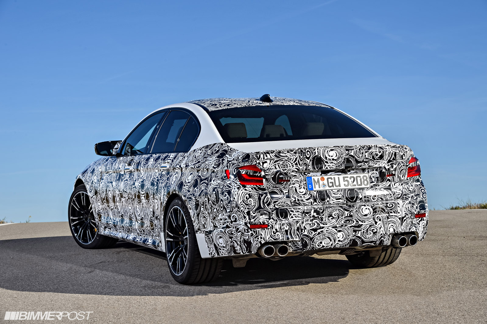 Name:  P90257493_highRes_the-new-bmw-m5-with-.jpg Views: 25195 Size:  489.7 KB