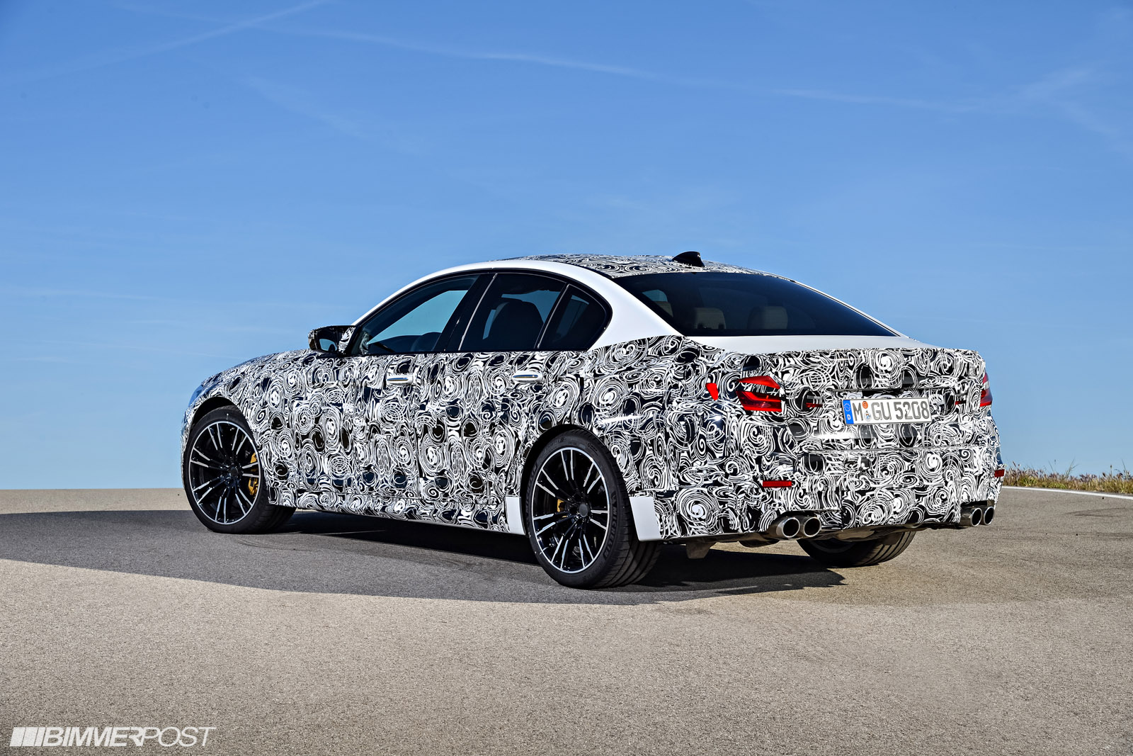 Name:  P90257494_highRes_the-new-bmw-m5-with-.jpg Views: 24394 Size:  485.7 KB